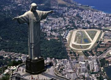 Железобетонная Статуя Христа Спасителя